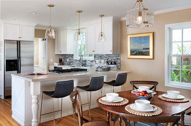 Kitchen showing barstools, dining table. - large image