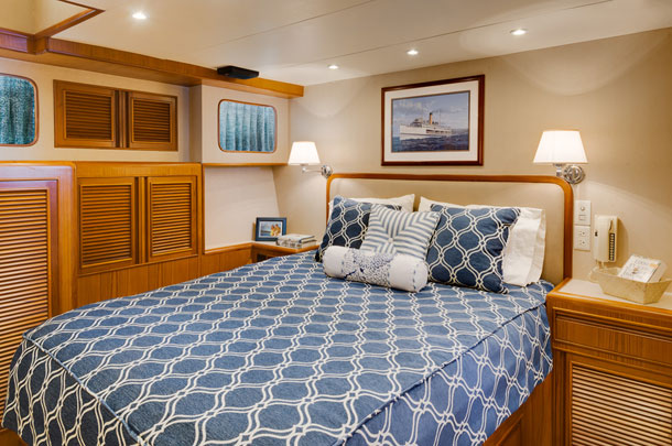 Yacht bedroom - large image