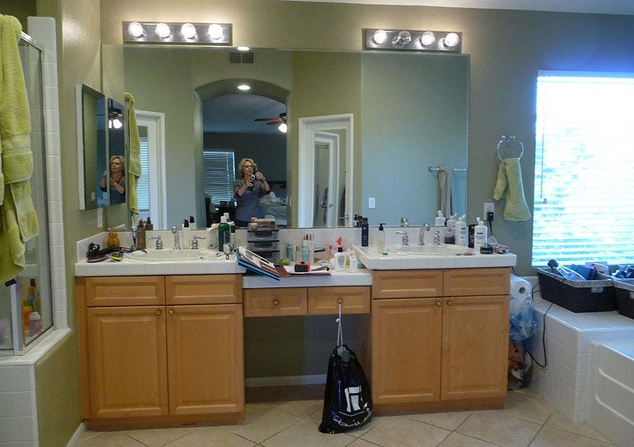 BEFORE: Dark cabinets, out-dated lights in bathroom - x-large photo