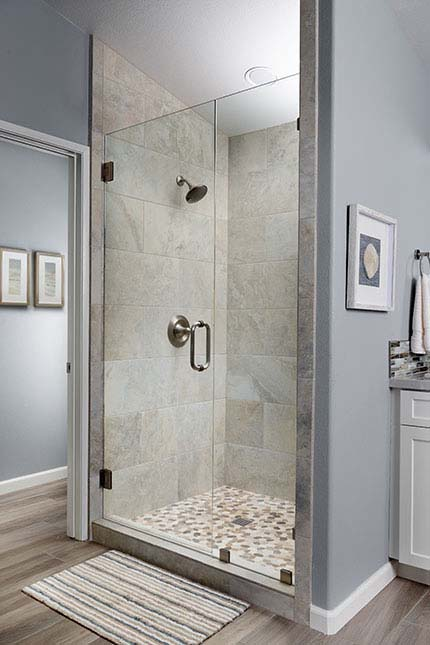 Large, light shower stall - x-large photo